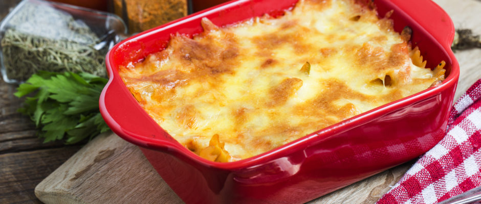 Italiaanse  lasagne met runder gehakt en tomatensaus
